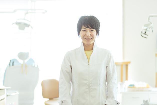 うえの矯正歯科の女性歯科医師上野